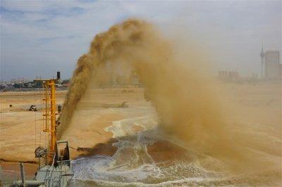 中斯共同开发的科伦坡港口城项目填海造地工程完