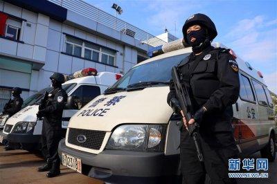 广州:铁警誓师保春运平安