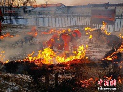 硬核!吉林市森林消防冬日演练堪比大片