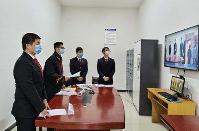 江西男子拒绝信息登记拿刀捅刺防疫人员获刑1年