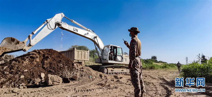 中国赴苏丹达尔富尔维和工兵分队完成首次跨区施工任务